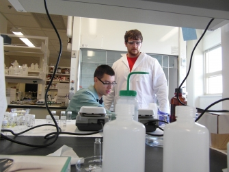 Undergraduate researchers work with Graduate mentors to synthesize new materials